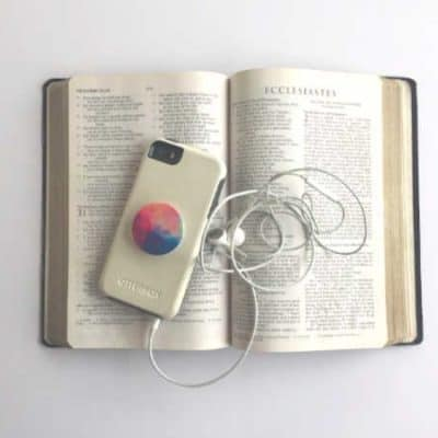 Bible Apps vs. Printed Bibles: Which is better?