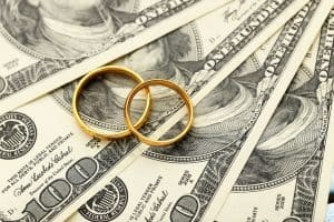 Money with two gold rings - should couples have separate bank accounts