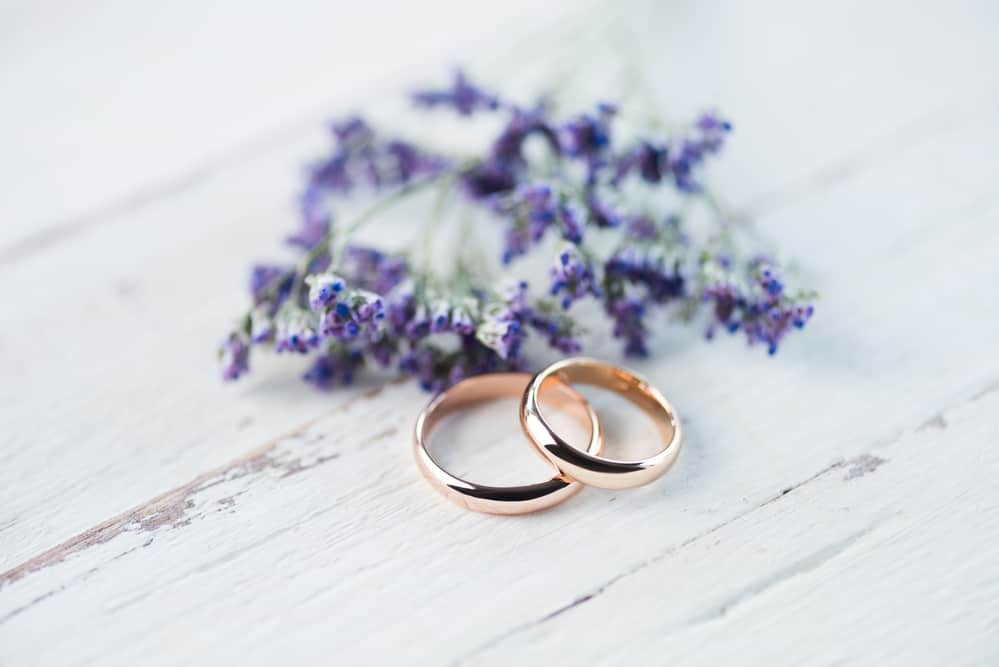 Has your marriage dulled and lost its shine? The relationship with your spouse has to be tended regularly. Discover how cleaning your wedding ring is a practice of prayer and reflection that can strengthen your marriage. #christianmarriage #christianprayer #faithfulmotherhood