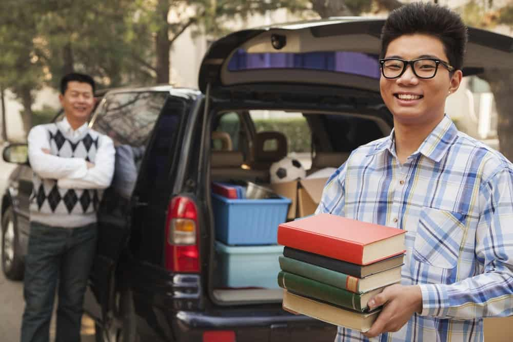 Moving to college with parents, keeping the faith in college